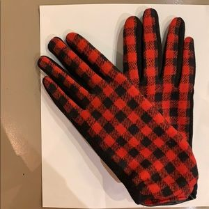 Women's Gloves in Red and Black Houndstooth Check